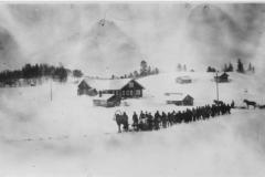 3457_viktor_latvuksen_hautajaiset_1-4-1938-suuri