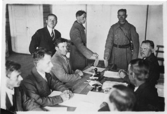 2100_manssilan-valtion-vaalilautakunnan_kokous_3-7-1933-suuri