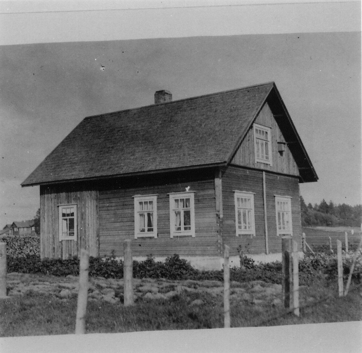 5697_klaudia_latvuksen__talo_1920-luku-suuri